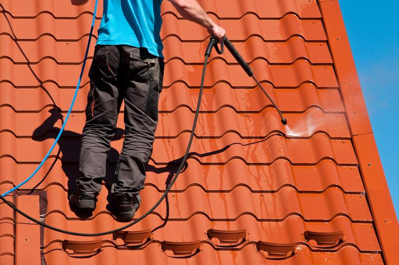 Winter Roof Cleaning Tips for Homeowners